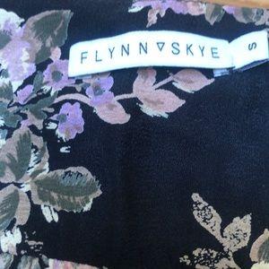 Flynn Skye Tops - Super cute floral crop top by Flynn Skye